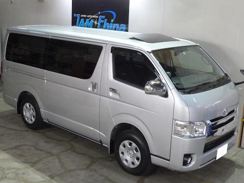 トヨタ・ハイエース (QDF-GDH206V)