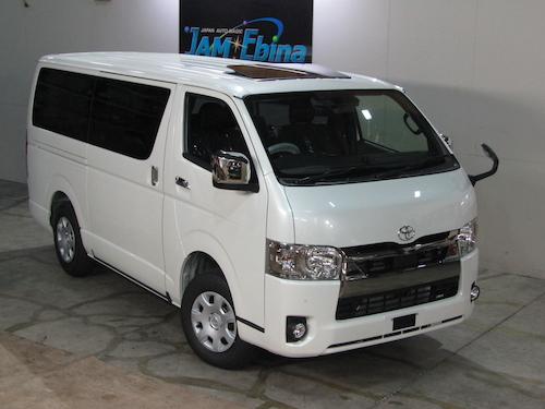 トヨタ・ハイエース(QDF-GDH206V)