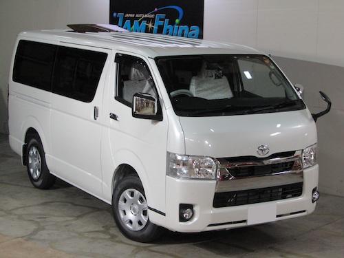 トヨタ・ハイエース(3BF-TRH200V)