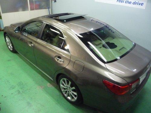 トヨタ・マークXへの後付サンルーフ(sunroof)取付画像。ベバスト(webasto)ホランディア300デラックスラージ(Hollandia 300 Deluxe Large)
