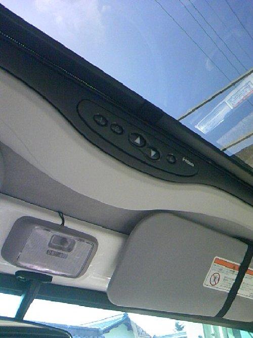 三菱(MITSUBISHI)・ミニキャブ トラック(Minicab truck)への後付サンルーフ(sunroof)取付画像。ベバスト(webasto)ホランディア300デラックス ミディアム(Hollandia 300 Deluxe Medium)12