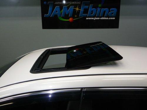 マツダ(MAZDA)・アテンザスポーツワゴン(ATENZA Sport Wagon)への後付サンルーフ取付画像。ベバスト(webasto)ホランディア300デラックスラージ(Hollandia 300 Deluxe Large)トリムシェル巻込み仕上。sunroof_04