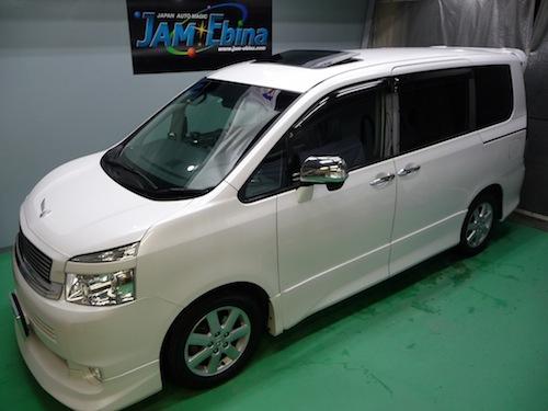 トヨタ・ヴォクシー(ZRR75W)