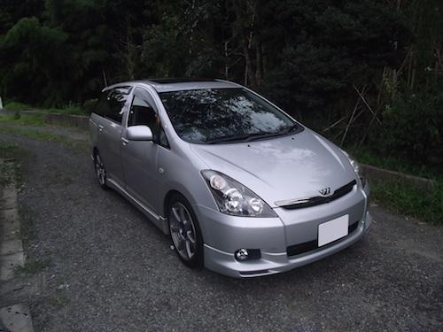 トヨタ・ウィッシュ(UA-ZNE10G)