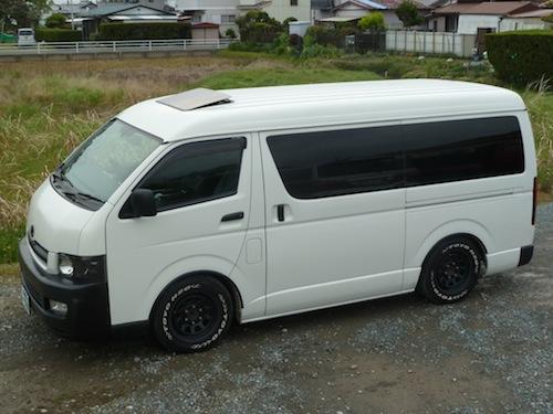 トヨタ・ハイエース ミドルワイド(CBA-TRH214W)