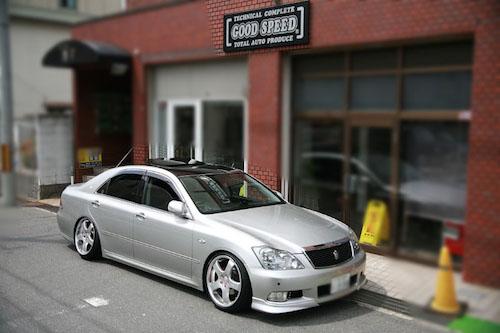 トヨタ・クラウン(DBA-GRS180)